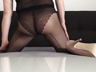 Men (Gay) Who want's to use my Sissy ass?