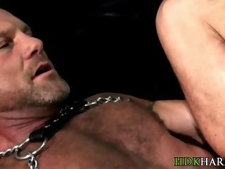 anal,cumshot,bears,bareback,leather,hairy,muscled,gay Barebacked bear cumshot