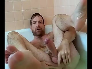 Amateur,Masturbation,Solo,hairy,muscled,gay Bath time for verbal daddy