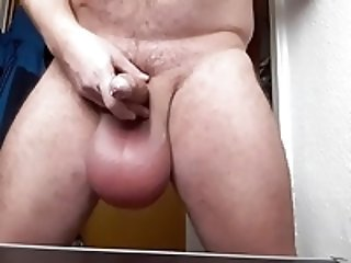 Men (Gay);Amateur (Gay);Daddies (Gay);Handjobs (Gay);Masturbation (Gay);HD Gays Big Ball Daddy