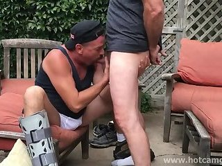 Cumshot,Amateur,Big Cock,Bears,Homemade,Mature,Outdoors,Blowjob,gay Horny Daddy Worships and Sucks Cock with Passion