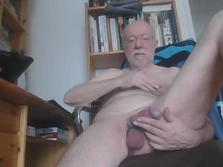 Amateur,Masturbation,Solo,daddy,grandpa,gay Grandad playing with his cock and balls