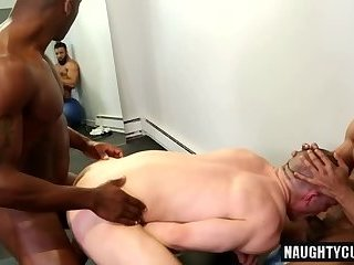 Anal,Ebony,Interracial,Threesome,gay,big dick,studs,muscled Big dick gay threesome with cumshot