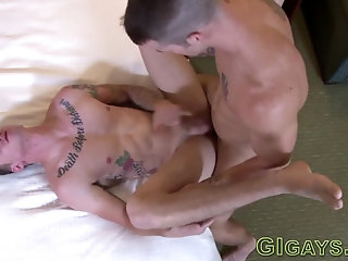 Anal,Cumshot,Amateur,Bareback,cum in mouth,gay Buff soldier gets facialized