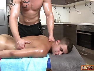 Anal,Hunks,Massage,muscle,daddy,seduce,gay Muscle daddy anal sex with massage