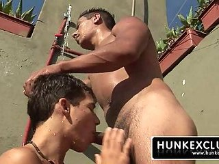 Sucking big daddy cock in the shower
