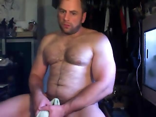 Amateur,Masturbation,Solo,Hunks,hairy,muscled,gay A fucking 8.7 on the Beef-O-Meter