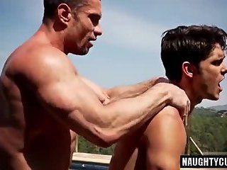 Body Builders,Hunks,Outdoors,Bareback,gay bodybuilder sunbath and bareback by the pool