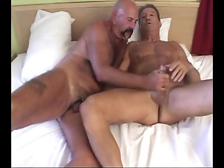 Anal,Bears,Mature,Blowjob,gay Giles And Jared pound bare