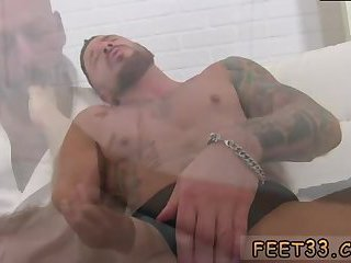 feet,fetish,tattoo,foot fetish,brunette,muscled, tattoos,fetish sex,gay Tattooed guy gets feet licked