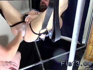 fetish,fisting,anal fisting,brunette,dominating,fetish sex,fisting sex,gay Punch Fisting Bo
