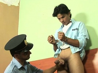 Blowjob (Gay),Gays (Gay),Twinks (Gay),Uniform (Gay) Dirty mature cop finds him a young sex pet in jail