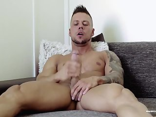 Amateur,Masturbation,Solo,studs,muscle,gay Ennio At Home