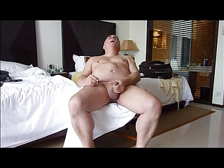 Men (Gay);Gay Porn (Gay);Twinks (Gay);Mature Cumming;Showing Mature solosexual showing his genitals and cumming