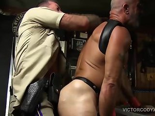 Big Cock,Mature,Pissing,Threesome,Bareback,leather,daddy,gay Scott Takes Two Cocks Raw