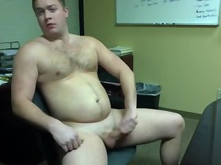 Amateur,Masturbation,Solo,hairy,gay Big boy's late night at the office