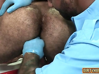 Anal,bear,muscle,gay Muscle bear flip flop and anal cumshot