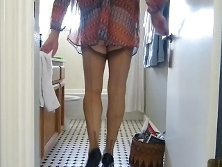 Amateur (Gay);Crossdressers (Gay);Small Cocks (Gay);HD Gays;Nylons Just Strutting My Stuff in Nylons