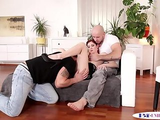 Anal,Bisexual,Fetish,Threesome,Blowjob,gay Assfucked studs spitroasting a glam babe