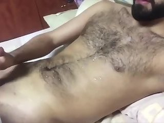 Cumshot,Amateur,Masturbation,Solo,hairy,gay 2 loads get dumped on this hairy torso