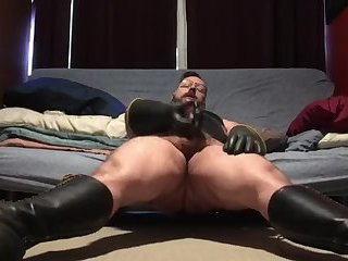 Amateur,Masturbation,Solo,Bears,hairy,gay Got my boots on and I am ready to drain these balls