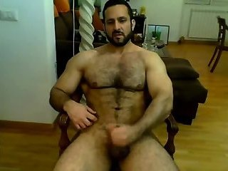 Amateur,Masturbation,Solo,hairy,muscled,gay Iranian muscle bear beats his meat