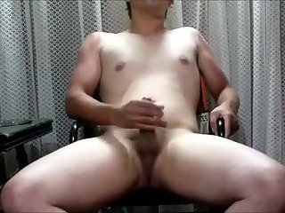 Amateur,Masturbation,Solo,gay Thicc lad spits on his dick and gets to work