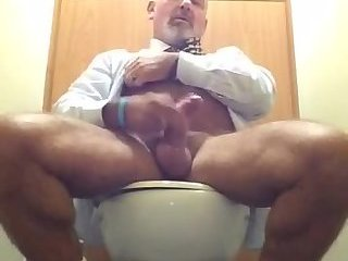 Amateur,Masturbation,Solo,Mature,gay Mature beef jacker gets his cum fun going in public restroom