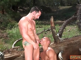 Body Builders,Outdoors,Tattoo,outdoor,public,muscles,gay Tattoo bodybuilder outdoor sex with cumshot