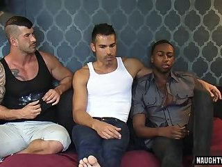 Ebony,Hunks,Interracial,Tattoo,Threesome,big dick,bottommuscled,gay Big dick bottom anal sex with facial
