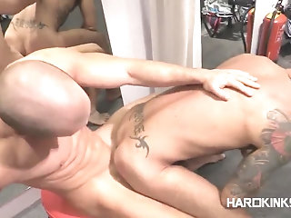 Anal,Domination,Hunks,gay Servicing Customers