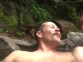 Amateur,Masturbation,Bears,Mature,Outdoors,couple,gay Looks super cozy and nice