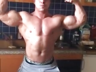 Twinks (Gay);Amateur (Gay);Big Cocks (Gay);Hunks (Gay);Muscle (Gay);Flexing Bulgarian gay escort Georgi flexing