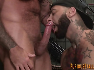 Anal,Big Cock,Bears,Body Builders,Tattoo,muscle,gay Banged brawny bear jizzes