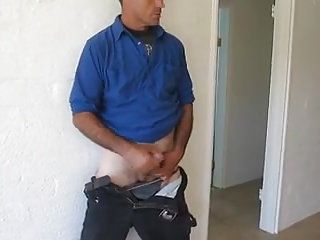 Amateur (Gay);Daddies (Gay);Latin (Gay);Masturbation (Gay) Pintor gostoso dando aquela gozada