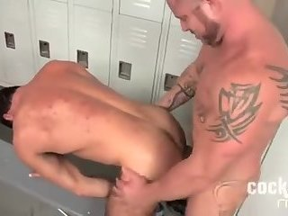 Anal,Big Cock,Bears,Body Builders,Hunks,Bareback,ass,muscle,hairy,muscled,gay muscled bears fuck in the locker room