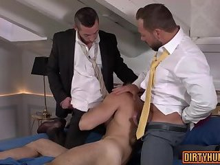 Anal,Hunks,Threesome,gay,ass,group sex,fuck,muscle Muscle gay threesome with cumshot
