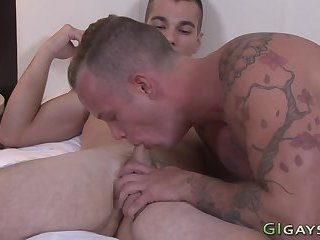 Cumshot,Amateur,Hunks,Tattoo,Blowjob,gay Military amateurs suck n jerk