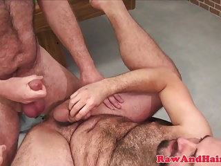 Bareback (Gay);Bears (Gay);Blowjobs (Gay);Hairyand Raw;HD Gays;Wolf Silver wolf fucks bearded bear raw