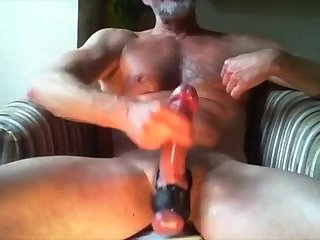 Amateur,Masturbation,Solo,Mature,muscled,gay Dad going beast mode