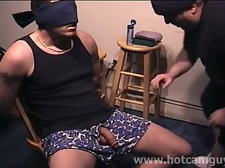 Cumshot,Amateur,Ebony,Handjob,Hunks,Interracial,Mature,Blowjob,gay Sexy Blindfolded Hunk Serviced by Older Man