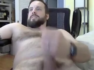 Amateur,Masturbation,Solo,hairy,beard,gay Married cub jerking off