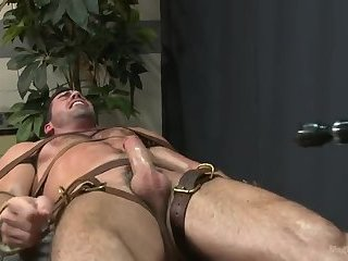 Amateur,Domination,Fetish,Handjob,mucled,gay Tied hunk