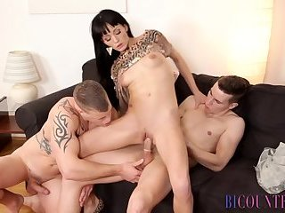 Anal,Cumshot,Bisexual,Threesome,Blowjob,gay Hunk and ho share bi cock