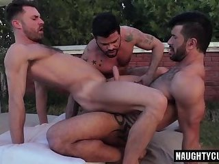 Anal,Hunks,Outdoors,Threesome,Bareback,gay,facial,ass fuck,muscled Tattoo gay flip flop and facial